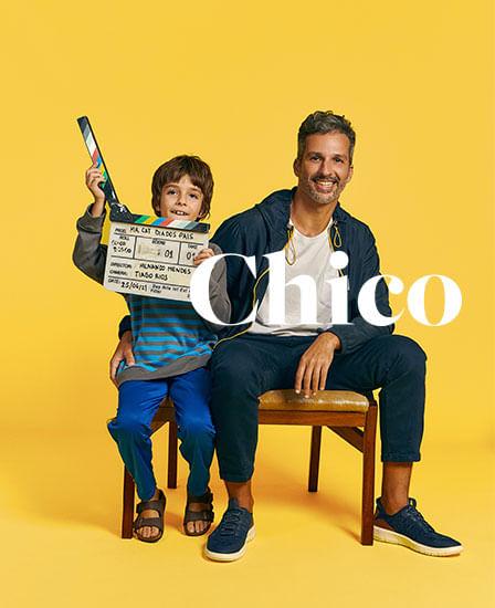 Foto - Pai com filho sentados